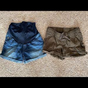 2 pairs of maternity shorts